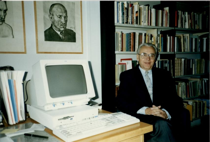 Oulu ülikooli eesti keele lektori kabinetis (1991)